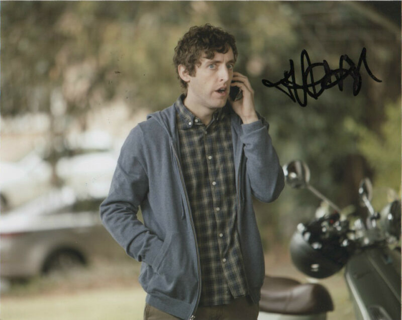 Thomas Middleditch Silicon Valley Autographed Signed 8x10 Photo COA #4