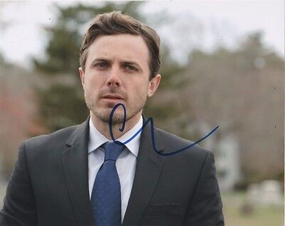Casey Affleck Manchester By The Sea Autographed Signed 8x10 Photo COA #4