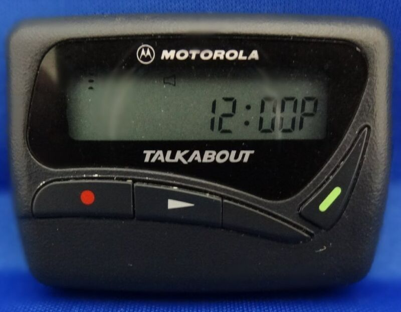 MOTOROLA T-10 PAGER... ON USAMOBILITY....TESTED BY A CERTIFIED MOTOROLA TECH..