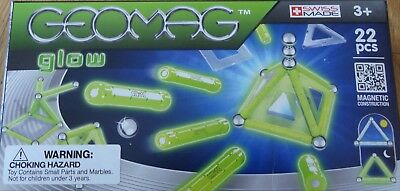 Glow 22 Piece Geomag Building Construction Toy Glow In THe Dark w/panels #334