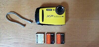 Fujifilm FinePix XP90 Fotocamera Subacquea 16 Megapixel + 3 batterie in regalo