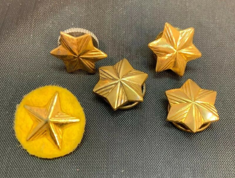 VINTAGE GIRL SCOUT  - FIVE SCREW BACK GIRL SCOUT MEMBERSHIP STARS