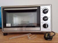 Portable mini oven with timer from Cookworks