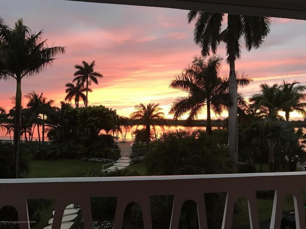 Panoramic views, 2-bedroom condo in Palm Beach, Florida