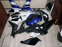 Yamaha yzf r125 2011 new and old fairings mix (Mostly New!)