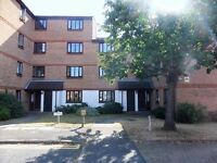 TWO BEDROOM FLAT IN CROYDON *** AVAILABLE NOW ***