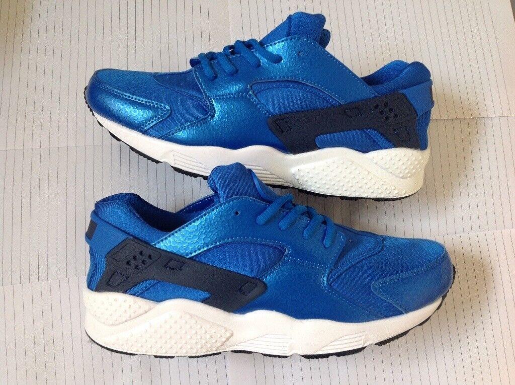 e57945536167d Men u0027s Air Huaraches Royal Blue Size 9 or 10 ...