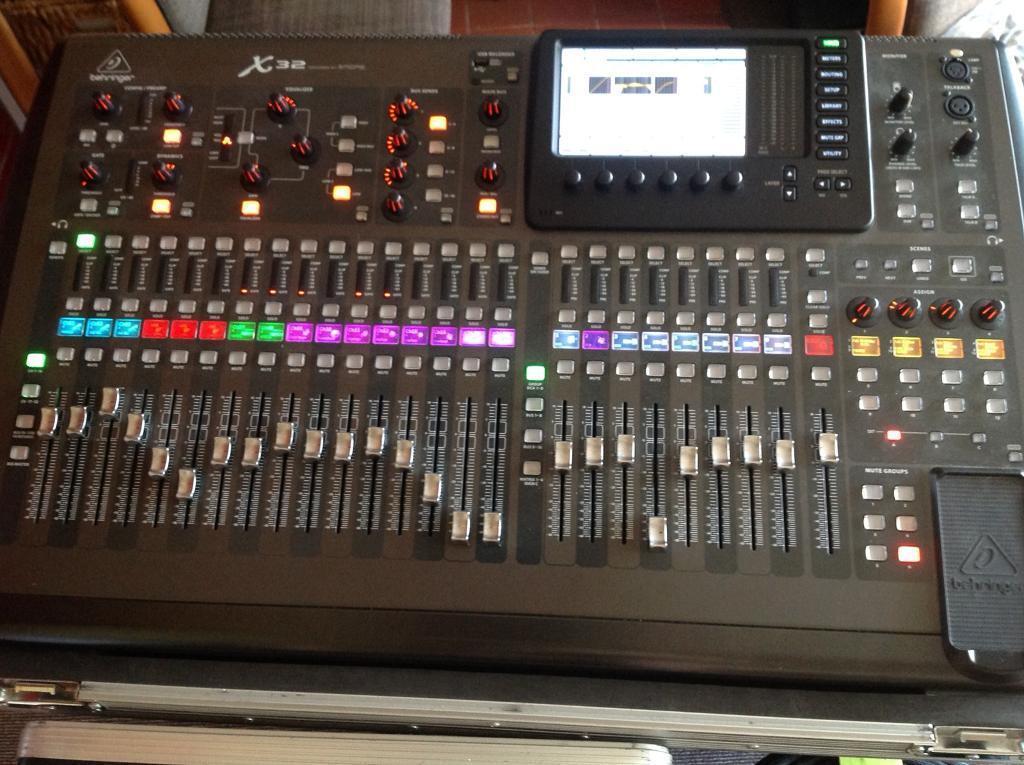 Begringer x32 32 channel digital mixing desk