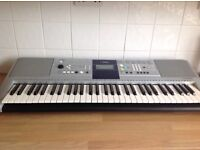 Yamaha Digital Keyboard PSR - E323 YPT320 & Piano Stool