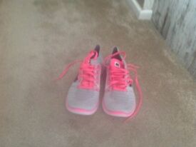 Nike running trainers size 5 light grey and pink brand new unwanted present , so light and flexible