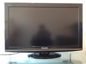Panasonic 32 inch slim Full HD Digital Freeview LCD TV excellent condition