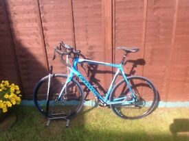 Cannondale synapse 105 clip less pedals mint condition up graded brakes and