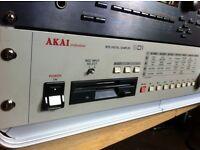 RARE Akai digital sampler (original from 1993) MPC vintage. Good condition. 2 MIDI in + extras