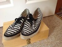 Clarks cream and black striped shoes size 7