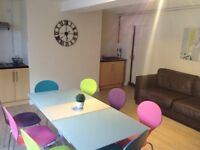 LARGE ENSUITE STUDENT BEDROOMS OPPOSITE UNIVERSITY AND COLLEGE IN SHARED HOUSE