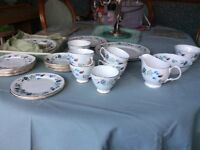 Colclough Linden fine China vintage tea set - variety of pieces