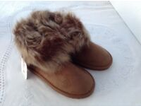 Soft brown fur cuff boots size 6 new with tag