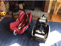Maxi-Cosi CabrioFix car seat and Maxi-cosi EasyFix base
