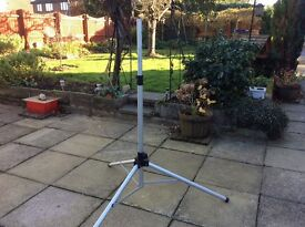 FREE TO AIR SATILLITE KIT INCLUDING STAND