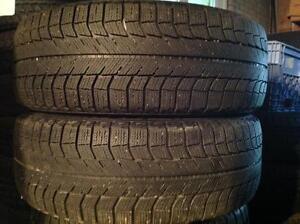 2 pneus d'hiver 225/60 r17 Michelin x-ice 95$   6/32 ieme restant.