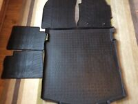 Toyota Auris Hybrid Estate car mats and boot liner