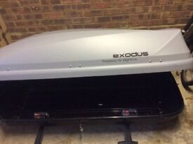 Grey Roof rack Exodus 470L good as new