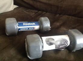 NEW Reebok Ladies neoprene dumbells / weights 2 x 4kg