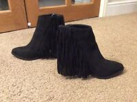 Black Chelsea boots size 3