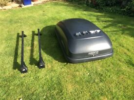 Roof top box including roof bars well used by still functional last used on Kia Sportage