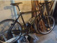 Cannondale hybrid mountain bike. M400