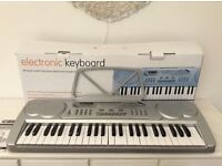 Childrens Electronic Keyboard (boxed)