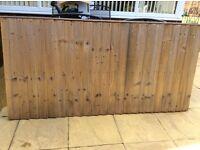 2 fence panels 3' high x 6' width