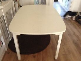 LARGE WHITE EXTENDING DINING TABLE