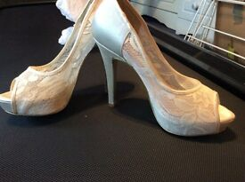Beautiful ivory lace heels