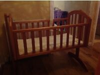 O Baby swinging crib and mattress (almost new)