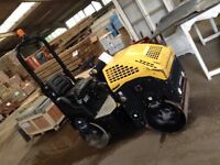 2015 JACMAT RS970 RIDE ON VIBRATING ROLLER.
