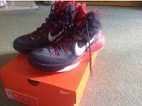 Men's Nike hyperdunk 2014 basketball boots UK size 9