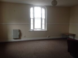 ONE BEDROOM SPACIOUS FLAT - ROSS TOWN CENTRE