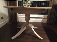 Laura Ashley Extendable Dining Table. Solid Oak Top. Almost New. Perfect Condition