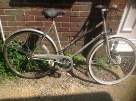 Vintage Ladies Traditional Town Bike 3 Speed