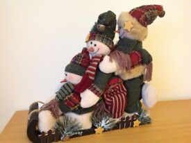 Free-standing soft/plush snowmen on a toboggan – Christmas decoration/ornament