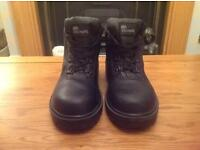 Unisex safety boots