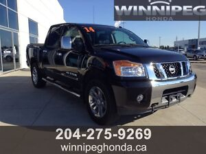 2014 Nissan Titan SL. Local Manitoba Trade, Low Kilometres, Ful