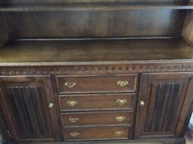 Beautiful solid oak dresser with removable shelving £80