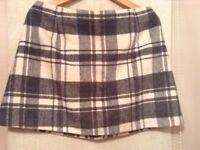 Grey & Cream skirt, size 16.