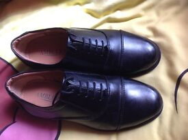 Leather cadet shoes