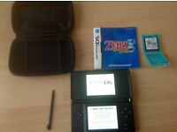 Nintendo DS Lite with Zelda Phantom Hourglass