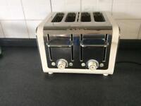 DULIT 4 slice toaster.
