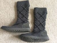 Ladies Grey Knitted Ugg Boots