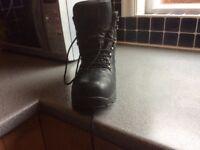Men's Leather walking boots, black size 10